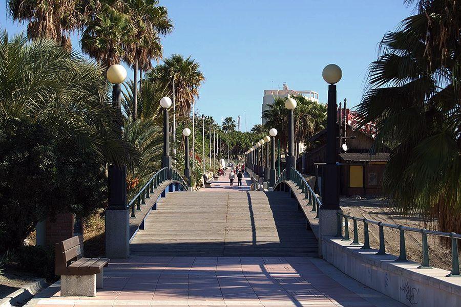 Official Tour Guide in Ronda, Málaga, Marbella - Seafront promenade Estepona